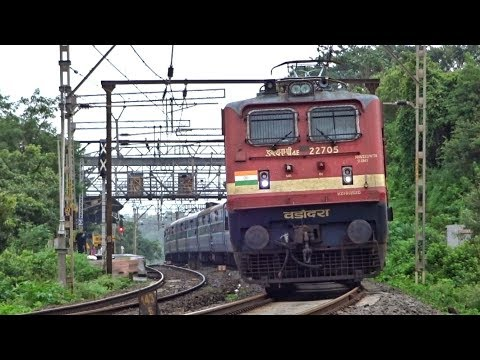 22943 Pune - Indore SF Express | KAMSHET | Indian Railways
