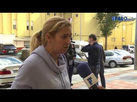 Aplazado el desahucio a una familia con 6 niños en Juan Carlos I