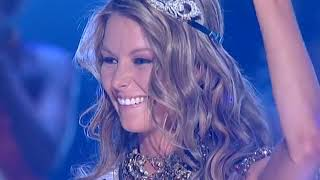 CROWNING MOMENT: Miss Universe 2004