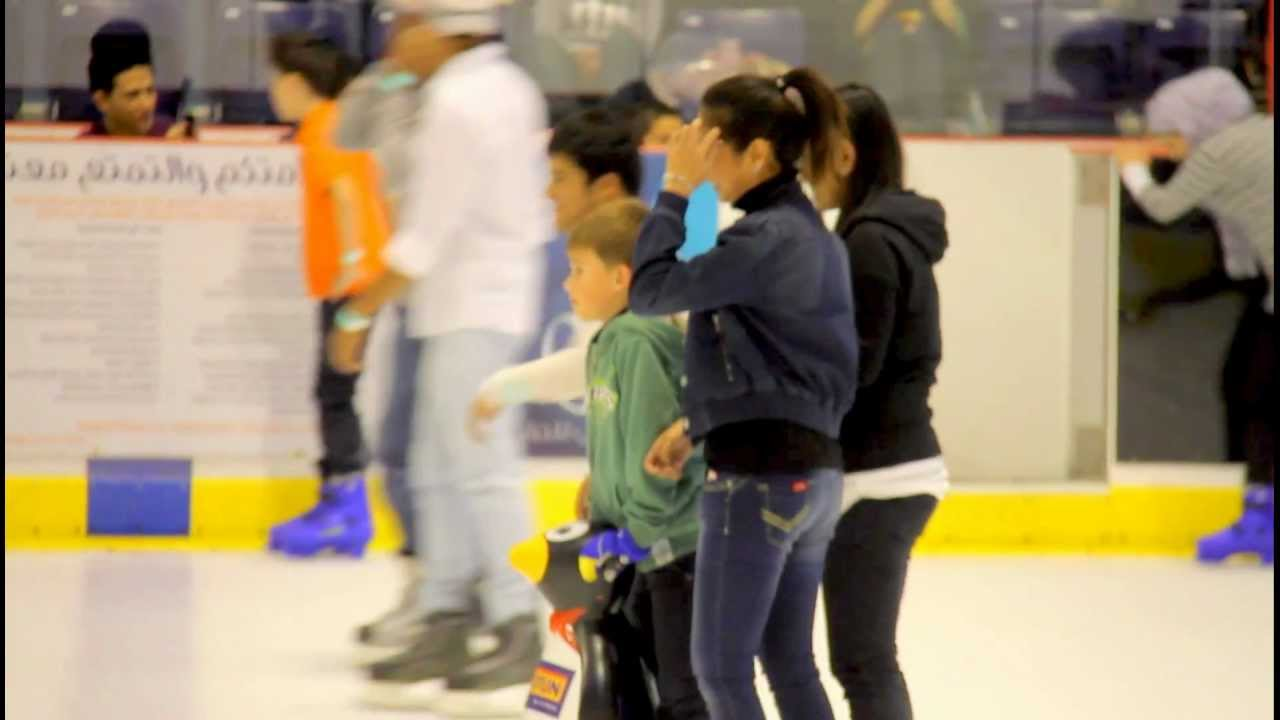 a kid learning ice skating at dubai mall ice rink 9 12 2011 youtube