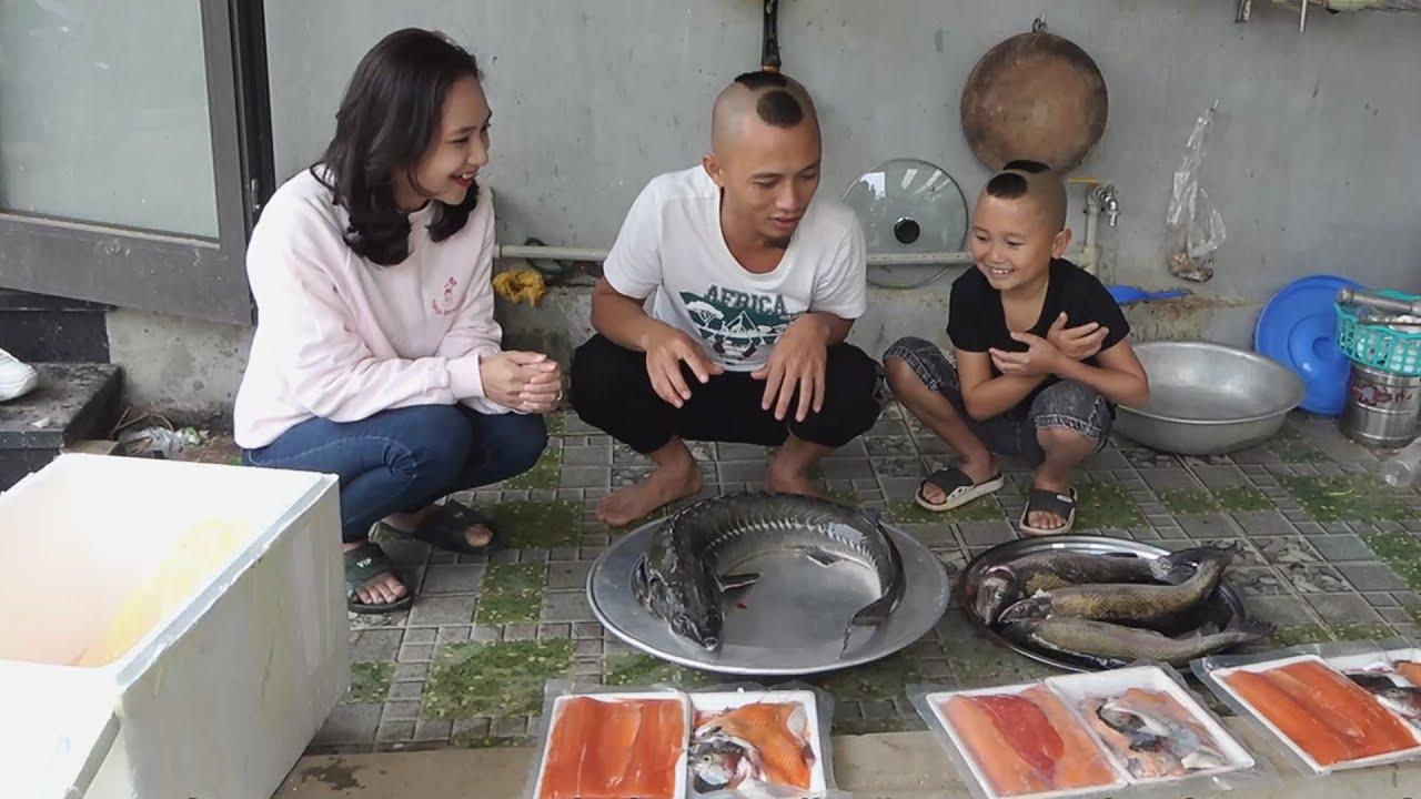 Gỏi Cá Hồi - Lần Đầu Được Em Gái Xinh Từ Sapa Xuống Tặng Qùa
