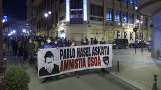 Medio millar de personas piden en Barakaldo la libertad de Pablo Hasel