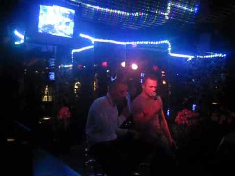 dompeloars @ karaoke deel 1