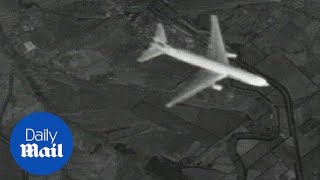 Download Video Ukraine rejects 'fake' photos of MH17 downing - Daily Mail MP3 3GP MP4