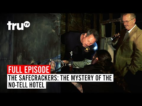 The Safecrackers | FULL EPISODE: Mystery Of The No-Tell Hotel | TruTV