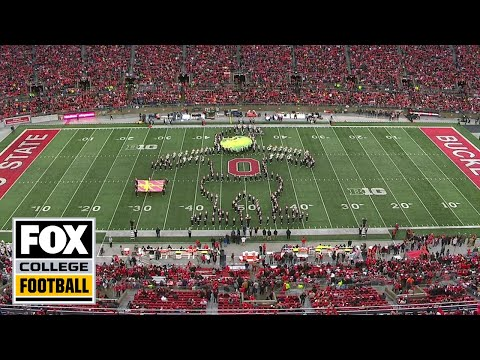 Ohio State band breaks out 'The Grinch' for a holiday-themed