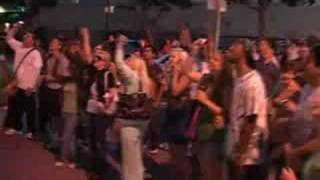 Download Video Michael Jackson eating dinner in San Diego NEW MP3 3GP MP4