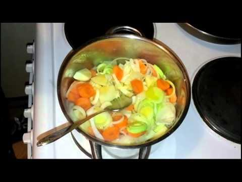 soupe-aux-carottes-et-pommes-de-terre-la-cuisine-facile-d'astuces-jeunes-recettes