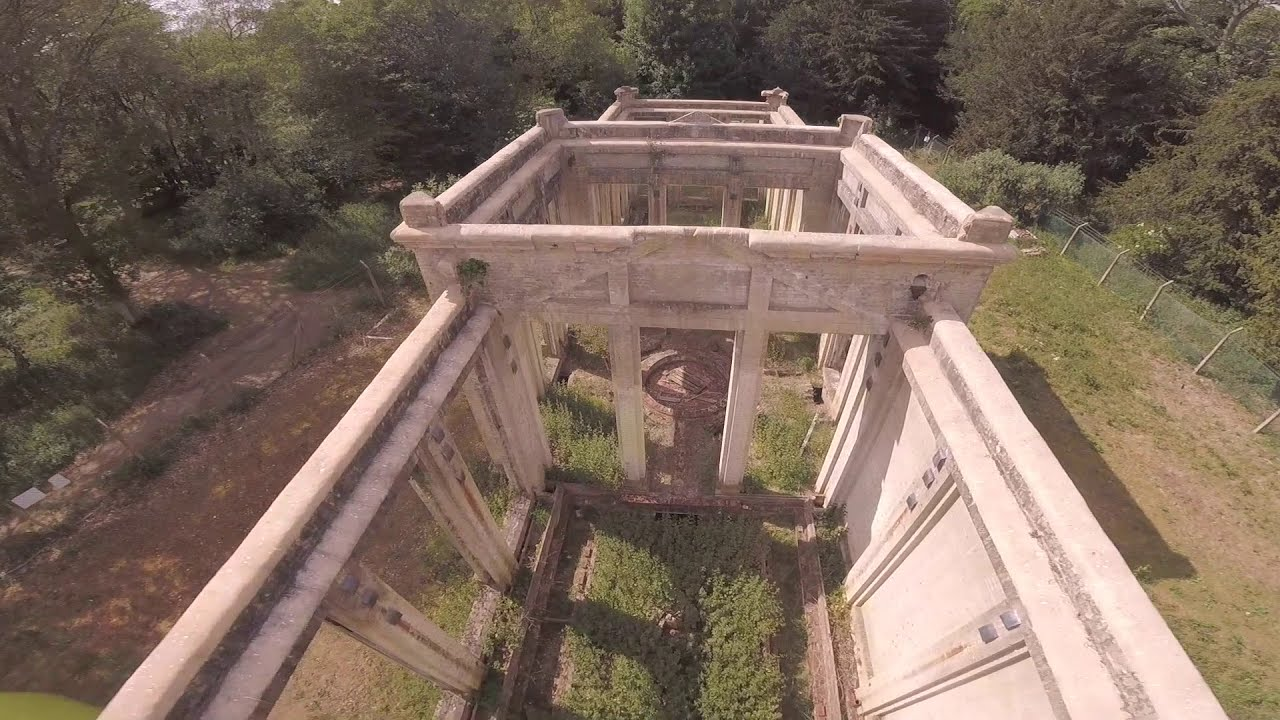 FPV Freestyle at an old ORANGERY?? фото