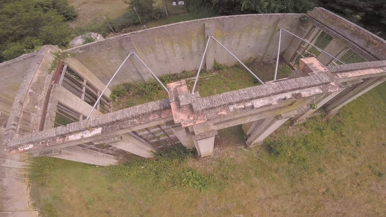 FPV Freestyle at an old ORANGERY?? фотки