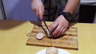Как сделать вареную колбасу в домашних условиях | Лысый Повар(Покупая варёную колбасу в магазине, мы всегда играем в лотерею, не зная из чего же она состоит на самом деле....., 2015-11-09T10:00:01.000Z)