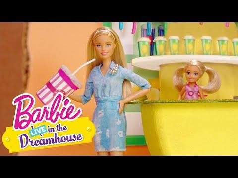 UNA LIMONATA PER TUTTI  | Barbie LIVE! In The Dreamhouse | Barbie Italia