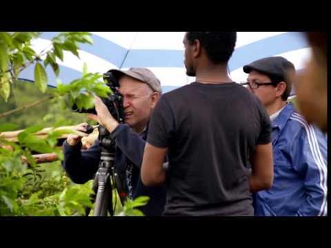 "Lavazza Kalender 2015 / Starfotograf Steve McCurry porträtiert die ""Earth Defenders"""