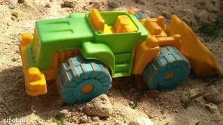 oyuncak arabalar - Kum oyuncakları kepçe ve kamyonlar