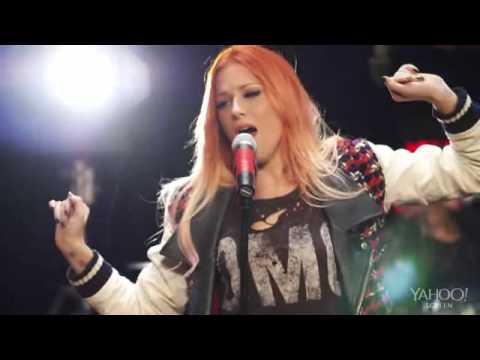 Bonnie Mckee ''American Girl'' Live @Yahoo