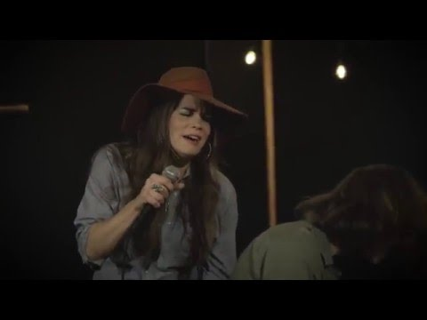 """Bonnie Bishop performs """"Mercy"""" from her NEW Album """"Ain't Who I Was"""" (Thirty Tigers / RED)"""