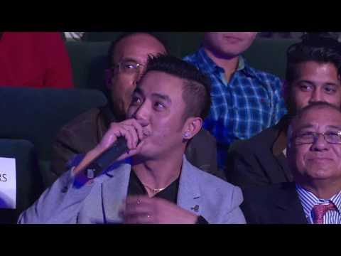 Binu interacts with Ashish Rana 'Laure' at Hits FM Music Awards 2074