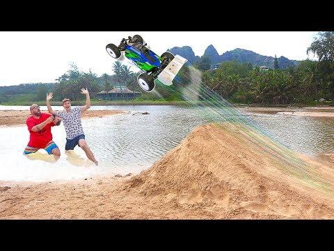 RC Car Giant Beach Jump Hawaii Adventure!!