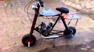Мини-мото(Самодельный мини мопед. Рама из полдюймовых водопроводных труб, колеса от садовой тележки, мотор КД. Максим..., 2015-10-19T17:20:53.000Z)