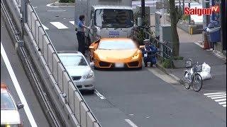 Cảnh sát giao thông đạp xe đuổi theo siêu xe Lamborghini ở Nhật Bản
