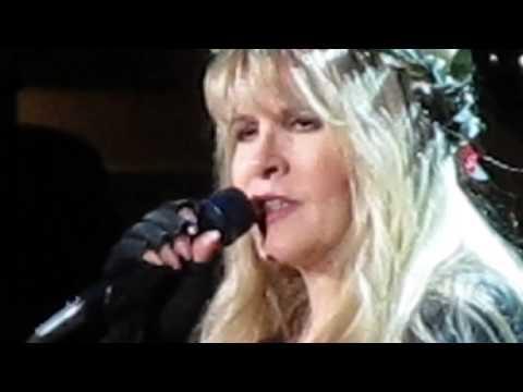 Stevie Nicks ~ Rhiannon & The story behind Landslide