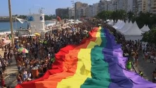 Raw: Thousands Celebrate Gay Pride in Rio | Associated Press