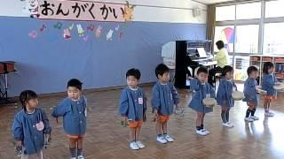 音楽会の予行演習で・・・ (2歳児)