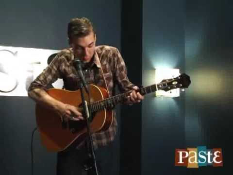 "Justin Towne Earle - ""Halfway To Jackson"" Live At Paste"
