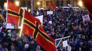 """ألمانيا : تظاهر الآلاف من أنصار حركة """"بيغيدا"""" ضد سياسة ميركيل"""
