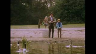 Remote Controlled Boat | Mr. Bean Official
