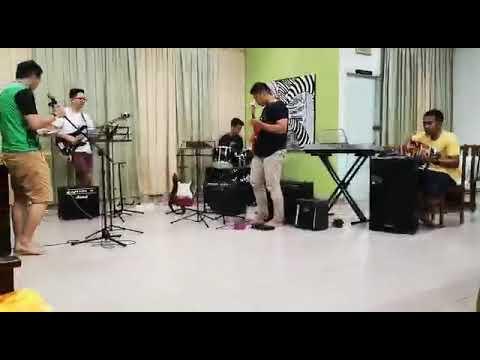 Kerimpak Kaca Lauya cover by SMK SUAI teacher