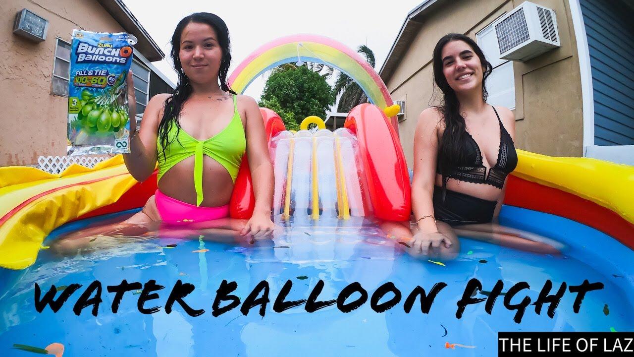 Water Balloon FIGHT / Batalla de globos de AGUA!!