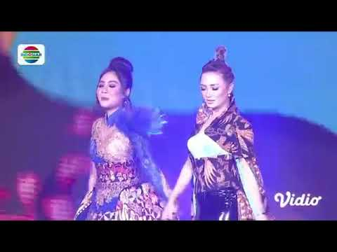 Zaskia Gotik Dan Nella Kharisma - Paijo   Konser Raya 24 Thn Indosiar