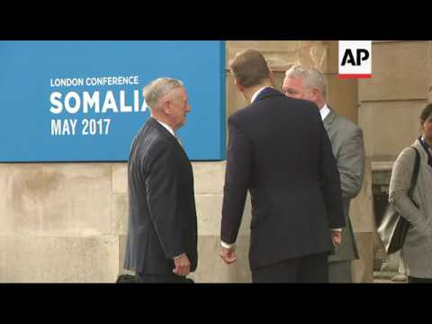 US Defence Secretary at Somalia meeting in UK