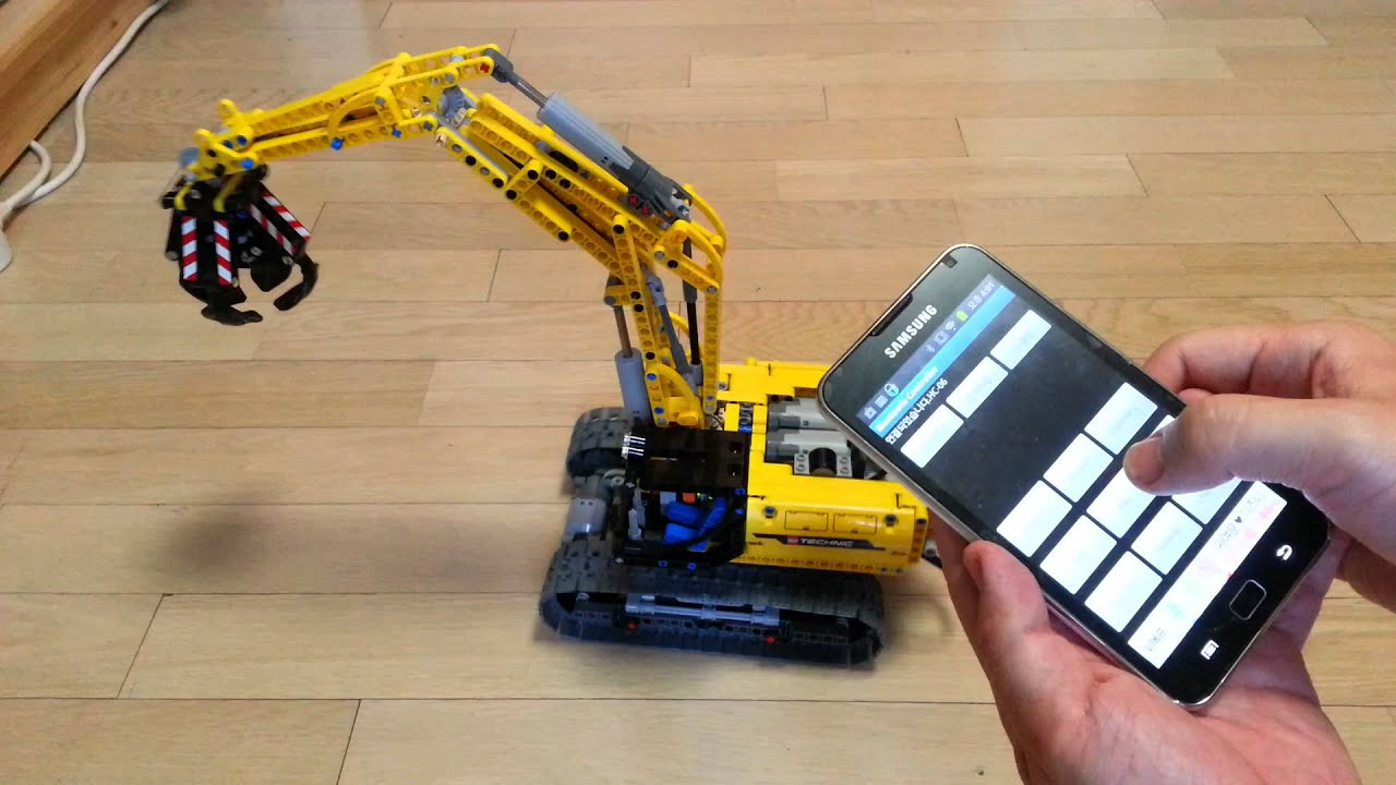 Lego technic controlled by android and arduino ir