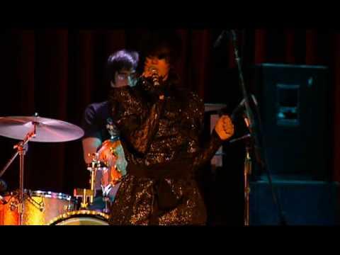 4/16 Yeah Yeah Yeahs - Down Boy @ The Fillmore 2004 mp3