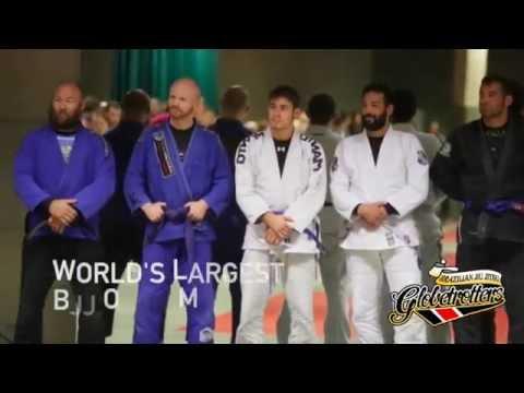 World's largest BJJ open mat: 148 people simultaneous sparring