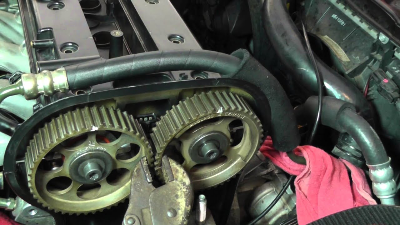 Suzuki Forenza Head Installation - Part 15  Timing Belt Install