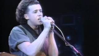 Tears For Fears perform Memories Fade in 1983 at Hammersmith Odeon ...