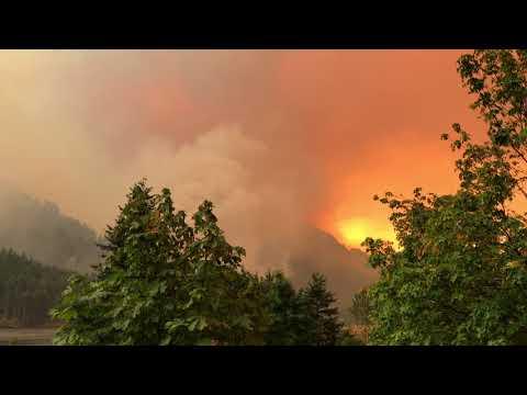 Cascade locks Oregon forest fire