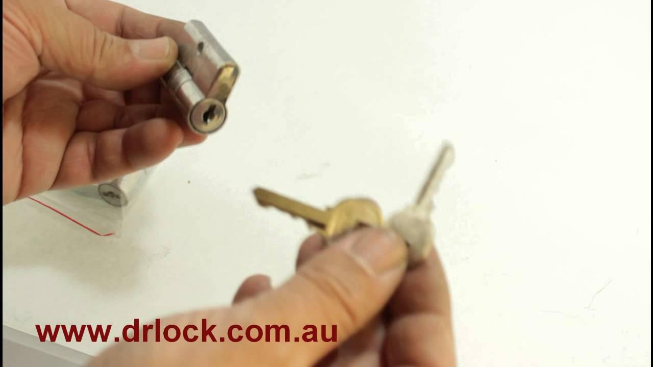 how to remove fly screen door lock