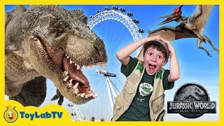 Giant Dinosaurs In London For Jurassic World Fallen Kingdom Movie Adventure & T-Rex Dinosaur Toys