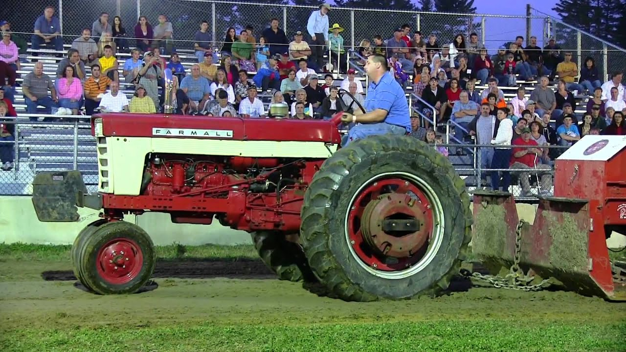 Ih Pulling Tractors : Farmall antique tractor pull deerfield fair youtube