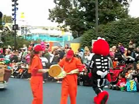neighborhood street party parade halloween style at sesame place in langhorne pa youtube - Sesame Place Halloween