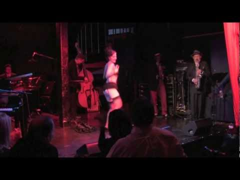 Gin Minsky performing at The Champagne Riot Presents: La Lumiere Rouge
