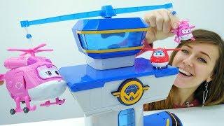 Los Aviones Súper Wings en la Guardería Infantil. Vídeos de juguetes.