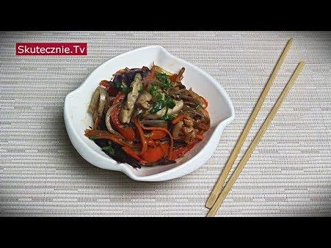 Soba z kurczakiem i warzywami z patelni | Stir-fry w stylu azjatyckim :: Skutecznie.Tv [HD]