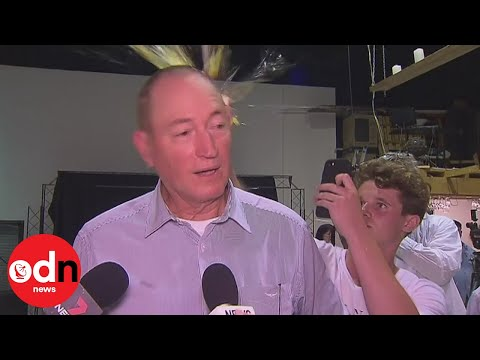 Senator hit with egg after Muslim immigration comments