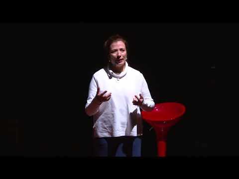 A morte como a (des)conexão humana | Ana Claudia Quintana Arantes | TEDxUFCSPA
