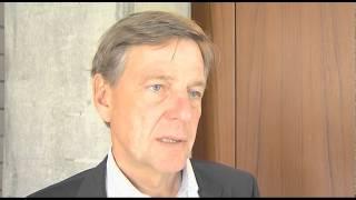 """Claus Kleber, Leiter des ZDF-""""heute-journals"""" im Interview mit Michael Klarner"""